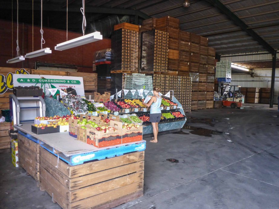 19-1 fresh produce shop - warehouse