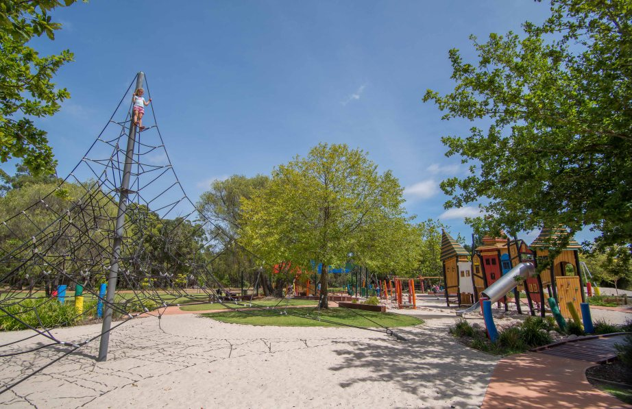 19-1 manjimup timber and heritage park playground