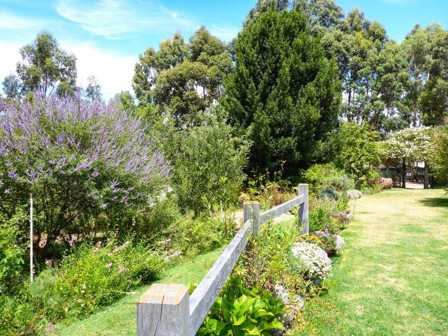 23-1 thurlby farm garden