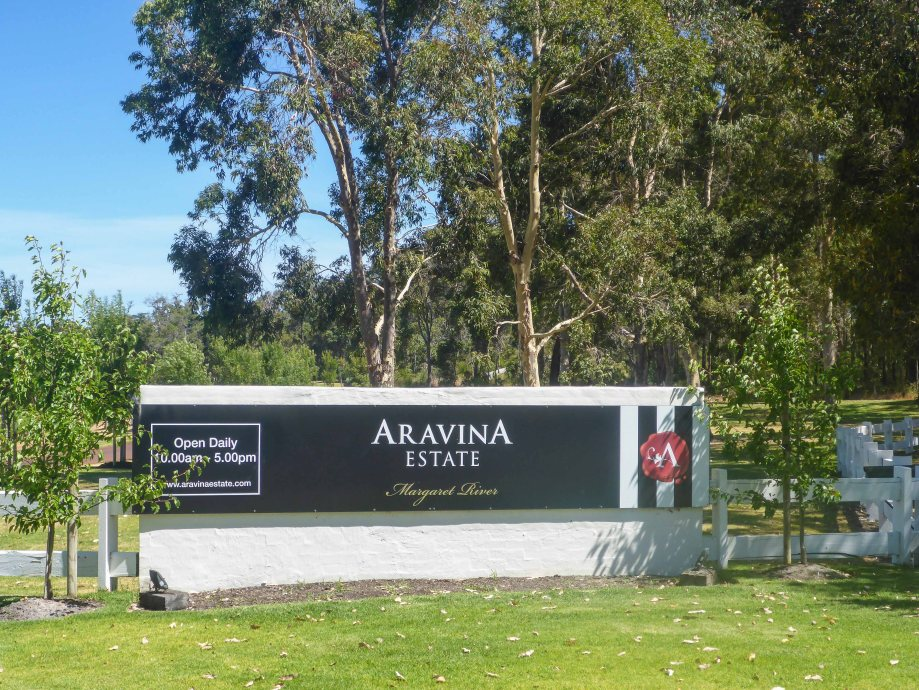4-1 aravina estate sign