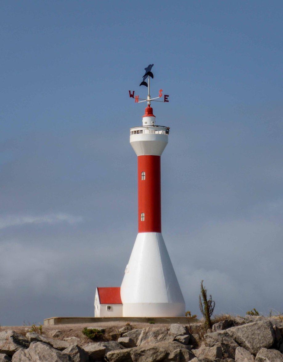 6-2 lighthouse sculpture on esperance foreshore
