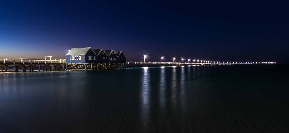 7-1 busselton jetty back at night