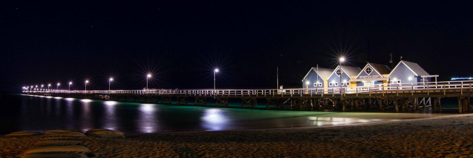 7-1 busselton jetty front at night