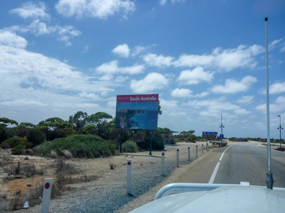 16-2 border into SA