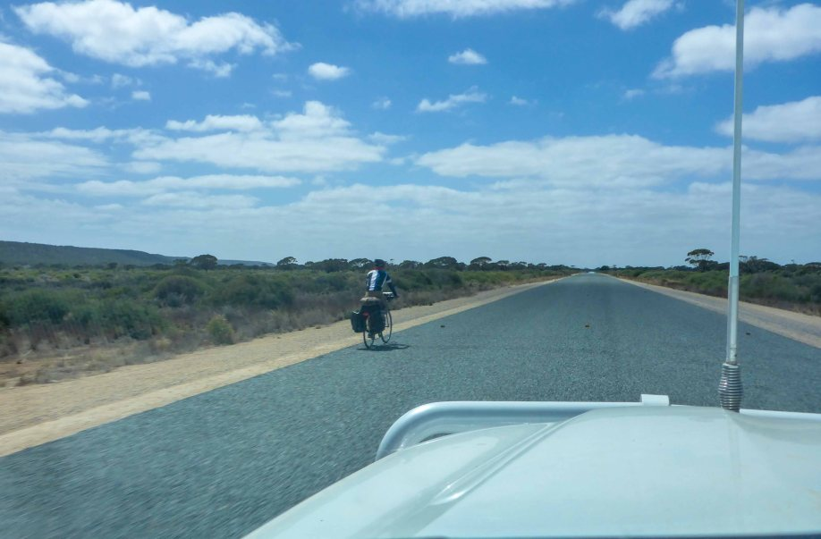 16-2 cyclist on nullabor