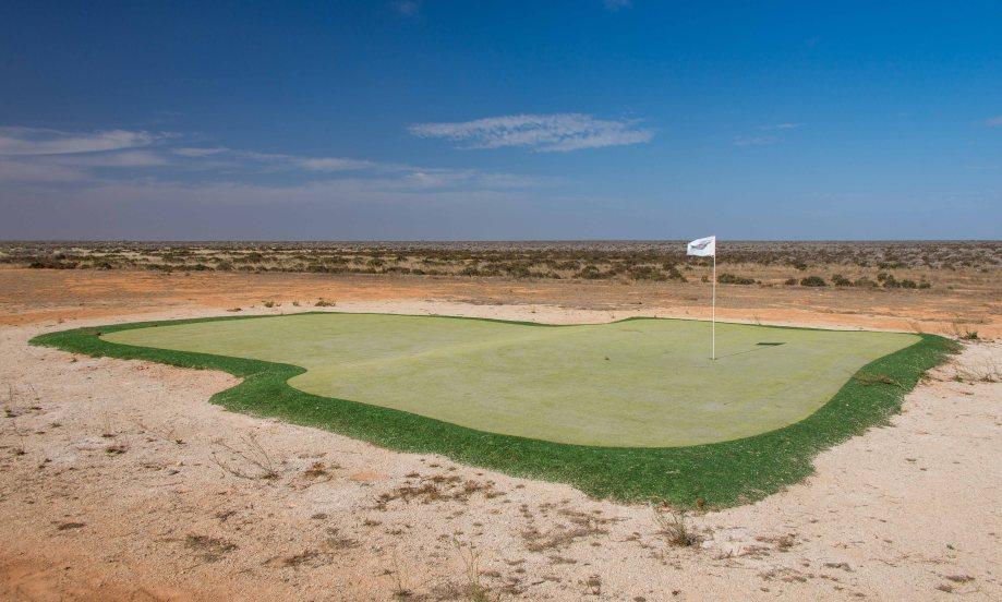 16-2 golf green